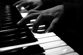 how to play the piano for beginners