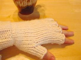 Family of Loom Knit Gloves | Other Files | Arts and Crafts