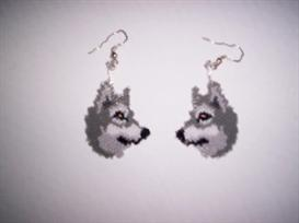 vertical brick stitch grey wolf delica beading earring pattern
