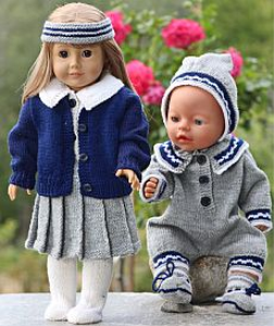 DollKnittingPatterns -0117D GRETE -Grete: Foldeskjørt, Bluse, Truse, jakke, Strømper og Hårbånd Gretes Lillesøster: Lekedress, Lue og Sokker  (Norsk) | Crafting | Knitting | Baby and Child