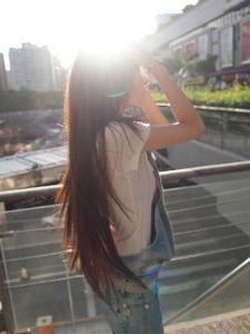 girls focus on hair beauty