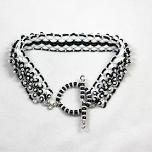 Black and White Mountains Bracelet Pattern | Crafting | Jewelry