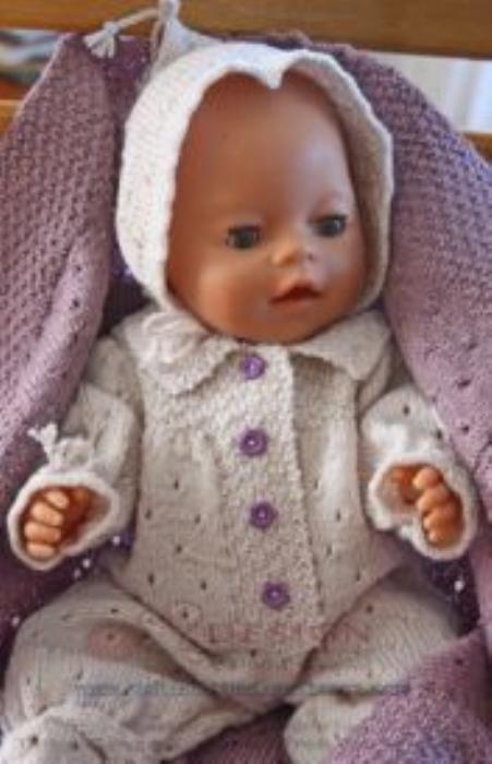 First Additional product image for - DollKnittingPatterns 0135D KINE - Babydress, Lue, Sokker og Babyteppe-(Norsk)