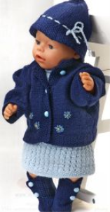 dollknittingpatterns 0136d aurora  kjole, truse, jakke, hatt og sokker -(norsk)