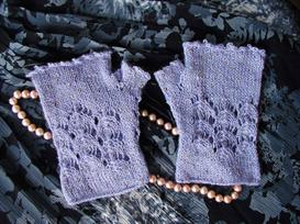 water lilies gloves pattern