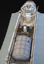 sts-105 payload