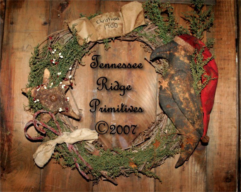 Trp primitive grungy christmas santa crow amp star wreath e pattern
